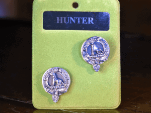 Crest cufflinks with crest