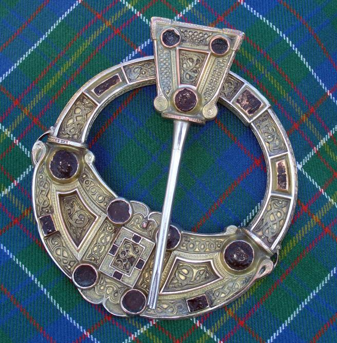 Clan Hunter Brooch